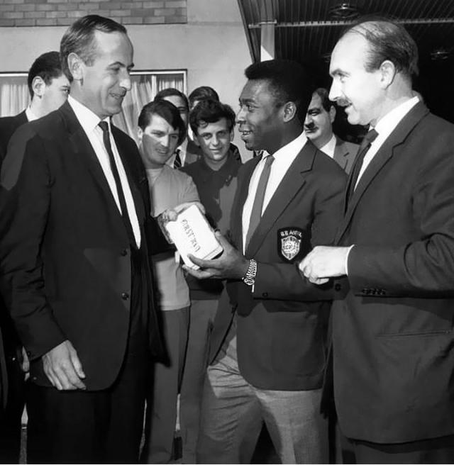 Pelé com Embaixador Americano